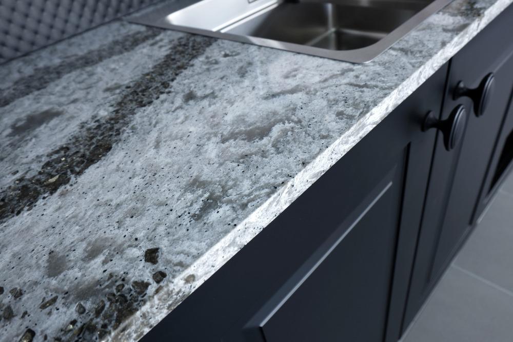 Patterned quartz kitchen worktop