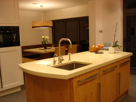 This quartz worktop is Arenastone Crema Avena